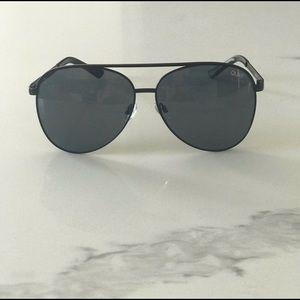 Quay Australia Accessories - Quay Australia Vivienne Aviator Sunglasses